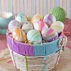 These homemade Easter basket treats will delight children, and they are super easy and quick to make! Make a simple chocolate mixture and store in the fridge while you make the marbled coating with food coloring. These desserts can be made ahead of time.