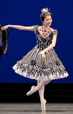 "Yuhui Choe in ""Birthday Offering"" Oh I need to be sewing and designing like… Ballerina Dancing, Ballet Tutu, Ballet Dancers, Theatre Costumes, Ballet Costumes, Dance Costumes, Ballet Russe, Black Tutu, Shall We Dance"