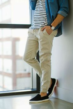 Ideas for moda hombre casual stylish men pants Khaki Joggers, Mens Joggers, Teen Boy Fashion, Mens Fashion Blog, Men's Fashion, Sporty Fashion, Fashion Women, Winter Fashion, Stylish Men