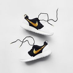Special Edition Nike Roshes