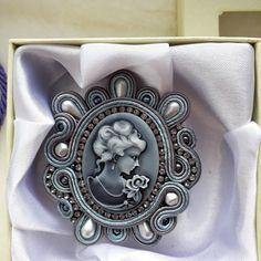 Heart Jewelry, Diy Jewelry, Jewelery, Handmade Jewelry, Jewelry Making, Soutache Pendant, Soutache Earrings, Beaded Necklace, Women's Brooches