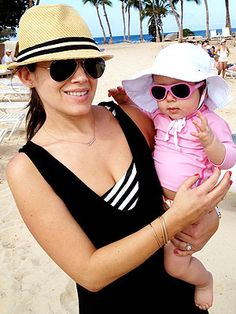 23612e6a0d Actress Marla Sokoloff and her daughter on vacation with Babiators!  Traveling With Baby