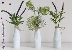 Vasen - ★ 3 kleine Glasflaschen ★ Vasen ★ Sanbitter - ein Designerstück von Casa-Ambiente bei DaWanda Designer, Glass Vase, Arts And Crafts, Ikea Hacks, Etsy, Wedding, Home Decor, Decorating Ideas, Creative