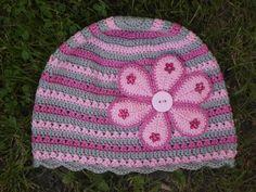 Háčkovaná čepička Šedivo-růžová háčkovaná čepička,100%bavlna.Na přání uháčkuji v jiné barvě. Na objednání.