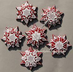 Red Gingerbread Snowflake Ornaments. Snowflake Cookies, Snowflake Ornaments, Holiday Cookies, Snowflakes, Snow Cookies, Christmas Gingerbread, Christmas Sweets, Christmas Themes, Gingerbread Cookies