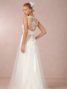 15 Lace Back Wedding Dresses & Gowns| Confetti Daydreams – Wedding Blog