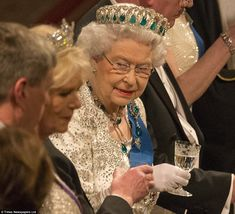 To mark the occasion the Queen wore emeralds in honour of her guests - including the Grand Duchess Vladimir of Russia¿s tiara and Delhi Durb...