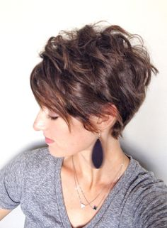 Inverted Pixie Bob for round faces and thick hair