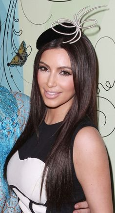 Kim_Kardashian_swirly_hat