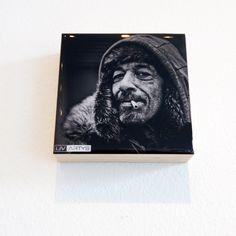Porträt Serie des amerikanischen Fotografen Leroy Skalstad. Foto auf Holz mit Kunstresin in Handarbeit veredelt. Dieses Fotogeschenk ist einzigartig, ARTYS von Livartys.