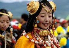 Khampa lady. Tibet. festival