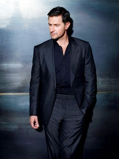 Richard Armitage by Robert Ascroft (who likes to kill us all with pics of this photoshoot)
