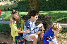 Familia curtindo uma manhã no parque