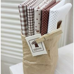 Jenny Brown Quilt Fabric Fat Quarter Bundle 5 FQ 100% Cotton Sewing Fabric