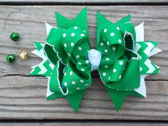 St. Patricks Day Hair Bow Green and White Bows by ransomletterhandmade, $10.00 #stpatricksdaybows