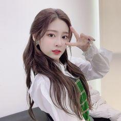 Wiz*one — Kim Minju Love U So Much, Perfect Love, Eyes On Me, Yu Jin, Japanese Girl Group, Twitter Update, Kpop, Kim Min, The Wiz