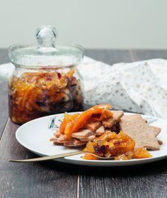 Πλούσια σε ξηρούς καρπούς και μπαχαρικά, αυτή η μαρμελάδα θα συνοδεύσει το πρωινό, τον καφέ και κάθε σπιτικό γλυκό.