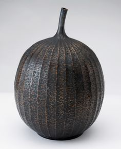 Waye Victor Meeten | To bear Fruit | bronze fluted vessel