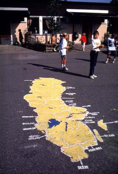 Whole Sweden on the ground. MAPS ON THE SCHOOLGROUND   - 16 pictures: https://www.facebook.com/svane.frode/media_set?set=a.495784633816784.1073741832.100001557546378&type=1   ON ASPHALT/TARMAC   - 94 pictures: https://www.facebook.com/svane.frode/media_set?set=a.357561317639117.81303.100001557546378&type=3