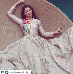 Consulta esta foto de Instagram de @selma_benomar_caftan • 2,993 Me gusta