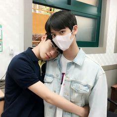 Syaoran, Happy Pills, Ulzzang Boy, Gay Couple, Asian Boys, Number One, Jinyoung, Bff, Idol