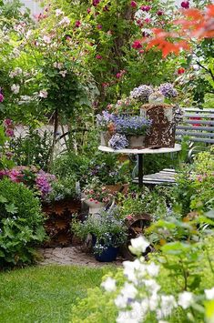 Your garden is a gorgeous green extension of your home, so why not show it some love for the warmer seasons? Check out our 5 Smart Tips to Brightening Up your Garden. Garden Table, Garden Art, Small Gardens, Outdoor Gardens, Small Garden Spaces, Cottage Garden Design, Front Yard Landscaping, Dream Garden, Garden Planning