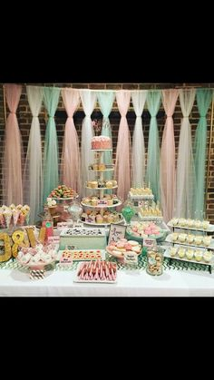 ideas party table sweets dessert bars for 2019 Idee Baby Shower, Baby Shower Vintage, Baby Shower Themes, Baby Shower Candy Table, Birthday Party Desserts, Unicorn Birthday Parties, Baby Birthday, Party Table Decorations, Birthday Decorations