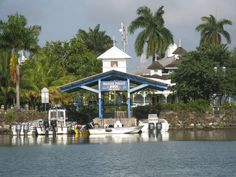 Marine Police Pier in Port ANtonio by sy-fortytwo