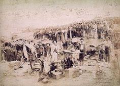 Membros do 40º Batalhão de Infantaria na trincheira,1897 (Flávio de Barros/Acervo Museu da República).