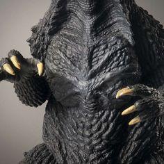 chest Godzilla Costume, Tin Toys, King Kong, Action Figures, Lion Sculpture, Statue, Sculptures, Sculpture