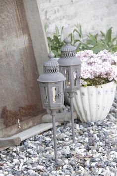 Outdoor Candles, Candle Lanterns, Country Farm, Country Life, Home Decoracion, Potting Sheds, Rustic Outdoor, Shabby Chic Style, Interior Lighting