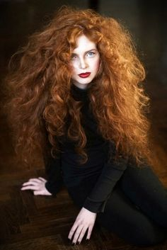 Young heart // Old soul ginger hair - Ginger Haare Beautiful Red Hair, Gorgeous Redhead, Kreative Portraits, Curly Hair Styles, Natural Hair Styles, Curly Red Hair, Curly Girl, Hair Bow, Peinados Pin Up