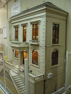 Dollhouse - Tunbridge Wells Museum  Rick Maccione-Dollhouse Builder www.dollhousemansions.com