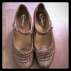 Tan shoes Excellent condition extremely comfortable Earthies Shoes Heels