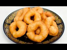 Sfanj   Gogosi marocane   JamilaCuisine - YouTube Baking Recipes, Dessert Recipes, Desserts, Romanian Food, Romanian Recipes, Onion Rings, Sweet Bread, Doughnut, Biscuits