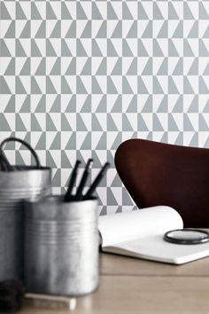 Boråstapeter Scandinavian Designers -mallisto, tapetti 2738, viisi värivaihtoehtoa. Design by Arne Jacobsen. Värisilmä, www.varisilma.fi