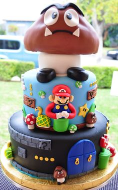 Super Mario Bros. Mushroom Cake on http://www.drlima.net
