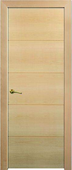 MODELO LH R08: puerta en block, maciza, rechapada en madera natural y barnizada. Aporte a su hogar calidez y modernidad.
