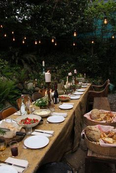 19 Best Ideas For Backyard Wedding Dinner Table Backyard Wedding Decorations, Table Decorations, Backyard Weddings, Backyard Ideas, Decoration Evenementielle, Outdoor Dinner Parties, Party Outdoor, Garden Parties, Tuscan Style
