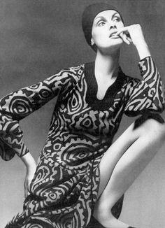 Jean Shrimpton by David Bailey for Vogue, 1971.