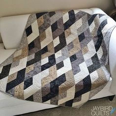 Quilting Ideas This morning I found myself wanting to post my annual retrospective of quilts I finished in I made a lot of quilts this year Jaybird Quilts, Jellyroll Quilts, Scrappy Quilts, Easy Quilts, Owl Quilts, Colchas Quilting, Quilting Projects, Quilting Designs, Quilting Ideas