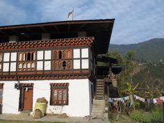 """Wien, ein Narr und Reiswein: Mein Besuch im """"echten"""" Bhutan. """"Es ist unvorstellbar, dass einer, der so aufwächst dann in Europa..."""