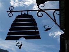 Bee hive sign - a honey shop?