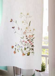 The Beauty of Japanese Embroidery - Embroidery Patterns Hand Embroidery Projects, Embroidery Patterns Free, Learn Embroidery, Silk Ribbon Embroidery, Crewel Embroidery, Hand Embroidery Designs, Cross Stitch Embroidery, Machine Embroidery, Creative Textiles