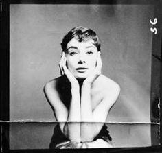 Audrey Hepburn photographed by Richard Avedon, New York, December 18, 1953.