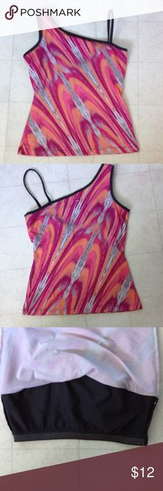 "prAna yoga top with print Stretchy poly/spandex fabric. Shelf bra. Length is 21 1/2"" from shoulder and 14 1/2"" across bust. Gently worn. prana Tops Tank Tops"