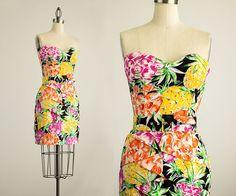 SHOP SALE 25% OFF 90s Vintage Tropical Floral by ShopCherieVintage