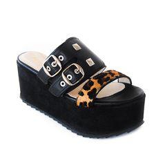 Chala a la onda argentina Baby Shoes, Sky, Clothes, Fashion, Wave, Shawl, Dressing Rooms, Argentina, Women