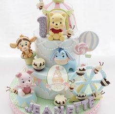 Baby Shower Cupcakes For Girls, Girl Cupcakes, Fun Cupcakes, Baby Shower Cakes, Fondant Cupcakes, Fondant Cakes Kids, Winnie The Pooh Cake, Winnie The Pooh Birthday, Baby Birthday