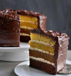 Kjempegod festkake med en overraskelse - Franciskas Vakre Verden Quick Bread, Vanilla Cake, Tiramisu, Sprinkles, Frosting, Cheesecake, Sweets, Cupcakes, Ethnic Recipes